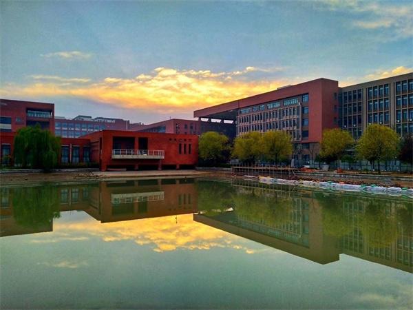 西安高校风景图